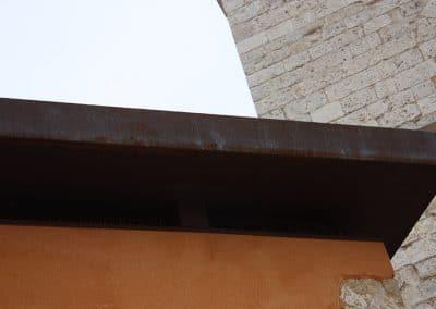 Canalón de chapa corten en Cigales (Valladolid)