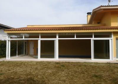 Cerramiento de aluminio para piscina en Valladolid.