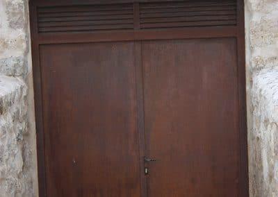 Puerta de chapa corten en Trigueros del Valle (Valladolid)