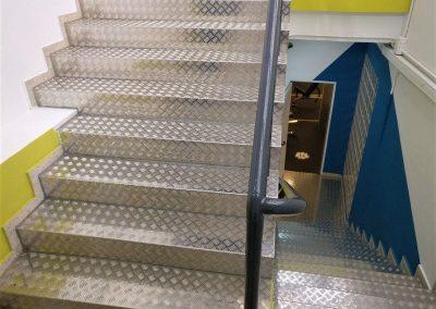 Escaleras de acero inoxidable en Palencia