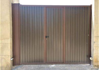 Puerta de garaje aluminio en Villamuriel de Cerrato(Palencia)